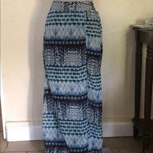 $7 CLOSET CLEAN OUT EUC Blue Printed Maxi Skirt